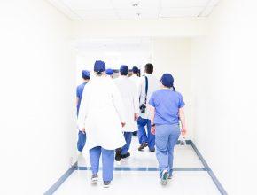 luis melendez 530478 unsplash 290x220 - Patient Portal 助你長命百歲!