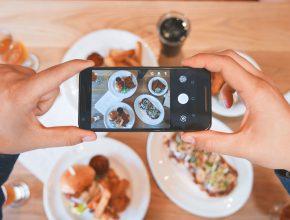 eaters collective 129481 unsplash 290x220 - 4大社交媒體管理工具,不再需要 Facebook Instagram 逐一管理