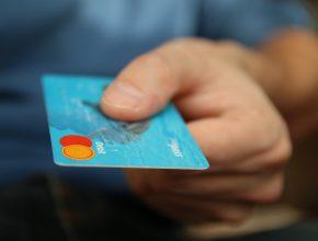 bank banking blue 50987 290x220 - 凱捷及法巴的世界支付報告:DLT技術無法滿足金融市場需求