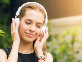 music2 290x220 - Spotify、Joox、 Apple music怎樣選擇?三大音樂平台大比拼!