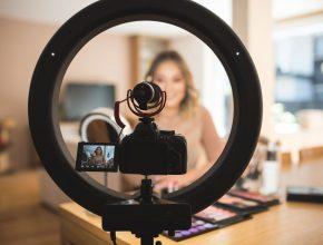 influencer kol marketing filming 290x220 - 關於KOL Marketing -  2019年 請問自己四個問題