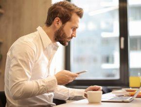 beard businessman coffee 926390 290x220 - 銀行都有Virtual?虛擬銀行是什麼?