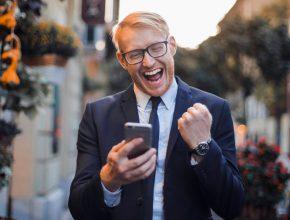 adult blur businessman 2072899 290x220 - 體驗SnapChat至潮變性filter?1分鐘學會潮玩最新filter!