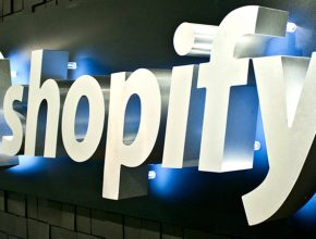 pica2204f47604a84e46ce39bce9c2d905d 290x220 - 加強版Shopify Plus 交易處理能力強大!哪些企業適合使用?