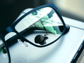 iphone smartphone apple blue mobile phone sunglasses 1178609 pxhere.com  290x220 - 挑戰Google Microsoft? Apple AR智能眼鏡快將登場!