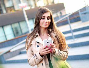 smartphone person girl woman model touch 936812 pxhere.com  290x220 - 避免WhatsApp Message外洩!5步教你設定WhatsApp指紋解鎖!
