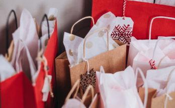 paper bags near wall 749353 348x215 - 設置禮物咭有何特別營銷效果? 推廣禮物咭營銷的6大理由!(上)