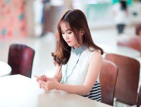 girl 2183999 1280 290x220 - 2020年智能電話16大趨勢!最矚目期待竟是這種科技?(下)
